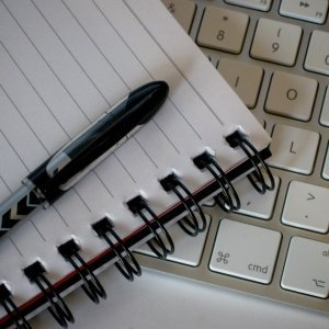 Writing Tools © flickr.com / peteoshea CC BY 2.0