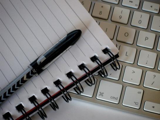 Writing Tools © flickr.com / peteoshea CC BY 2.0